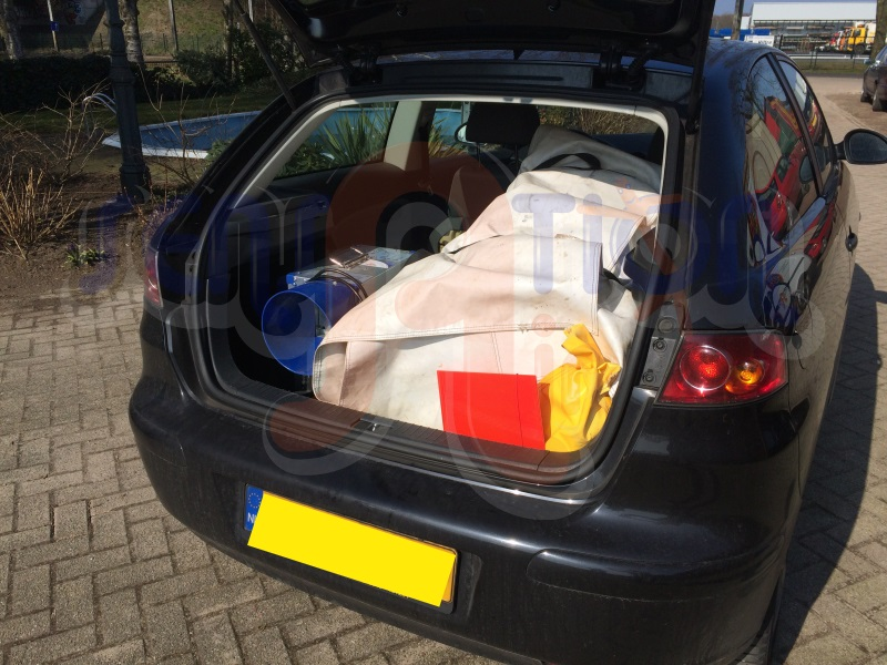 Springkussen midi in een Seat Ibiza